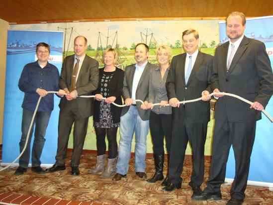 CDU Nordholz & CDU Land Wursten ziehen jetzt am selben Strang! (v.r.n.l.: Martin Vogt, Enak Ferlemann, Manuela Möller, Jörg-Andreas vSagemühl, Thea Otten, Holger Busse, Benny Bräuer)