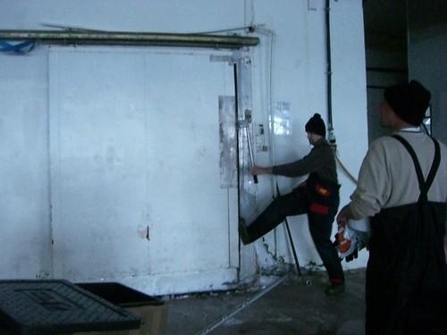 Die Tür zur Kühlung klemmt immer ein wenig :-)