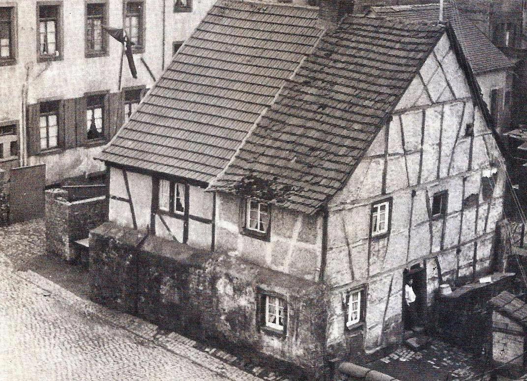 Altes Schulhaus im Kirchgäßchen um 1920, heute Sämann