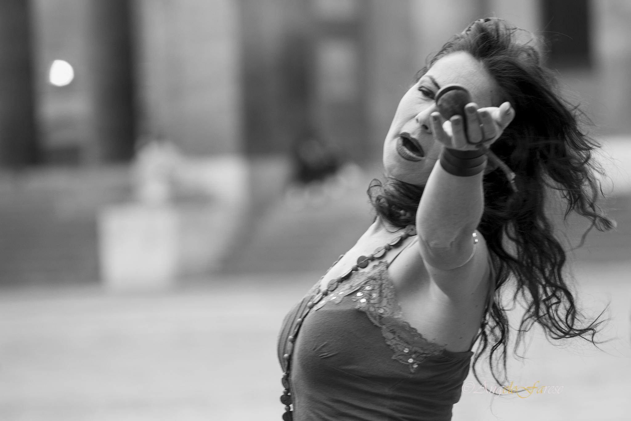 musica matrimonio, gruppo musicale matrimonio, musica popolare matrimonio, pizzica matrimonio, tarantella matrimonio, napoli, roma, torino, milano, benevento, avellino, puglia, lecce, calabria, cosenza, balli di gruppo, matrimonio, tammurriate, pizziche,