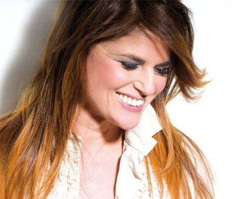 Monica Sarnelli, management agenzia contatti cantanti napoletani neomelodici, cantante napoletana neomelodica, per matrimoni, battesimi, comunioni, feste private compleanni, agenzia cantanti, napoletani,