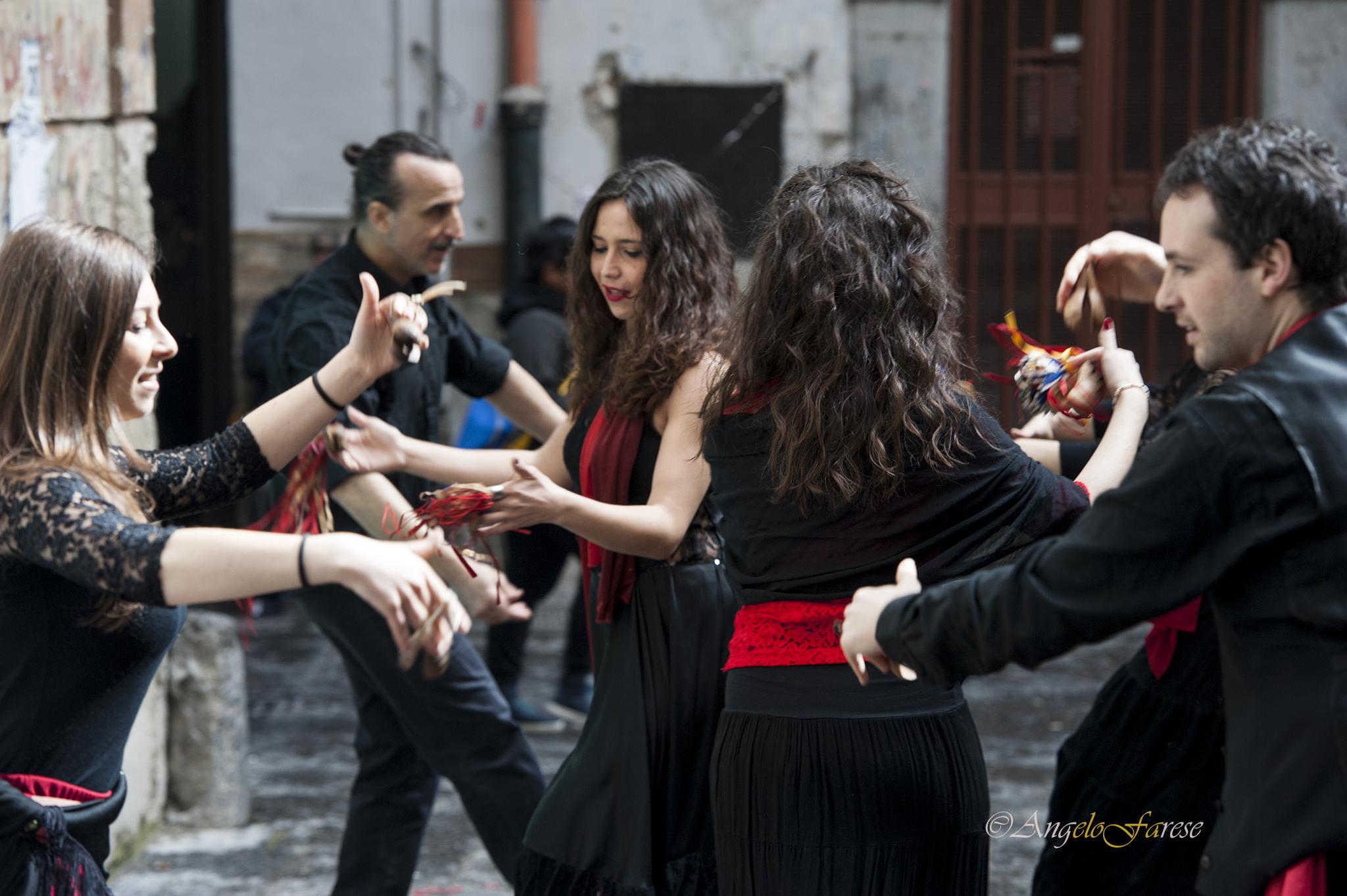 Compagnia SoleLuna, musica popolare musica popolare italiana musica popolare rumena musica popolare siciliana musica popolare russa musica popolare calabrese musica popolare napoletana musica popolare greca musica popolare brasiliana musica popolare spagn