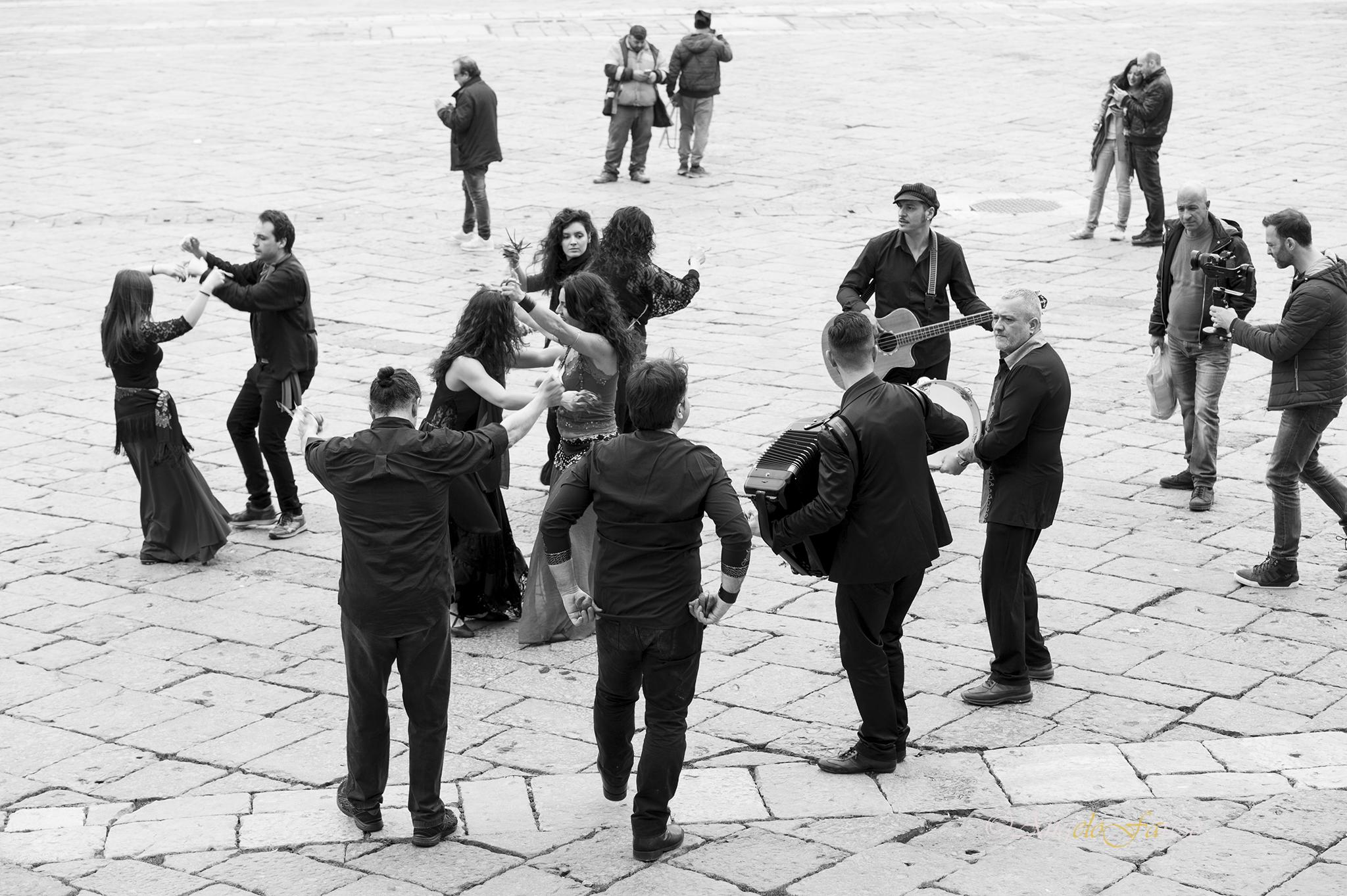 posteggia napoletana, posteggia matrimonio, posteggia napoletana compleanno, posteggia napoletana napoli, gruppo posteggiatori, la posteggia napoletana, agenzia, musica, napoli, cantanti, gruppo musicale, posteggia classica napoletana,