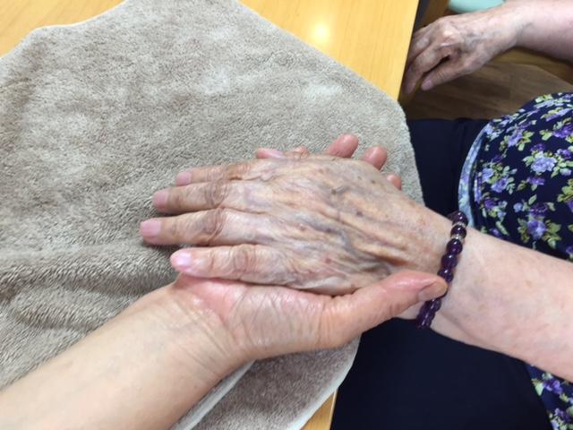 介護施設でのハンドマッサージボランティア@鎌倉山