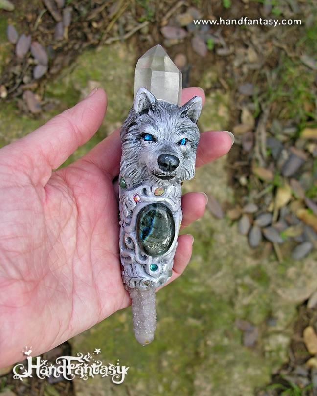 Varita mágica artesanal Lobo, Labradorita, cristal de Cuarzo, Cuarzo espíritu cactus