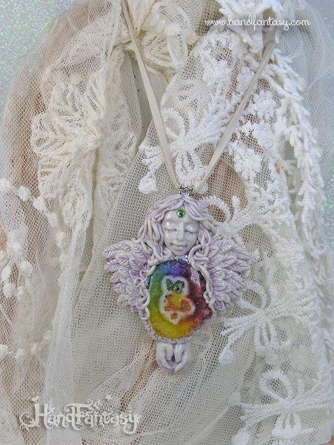 Colgante Ángel con Cuarzo Solar arcoiris. Angelito con cristales, Colgante ángel de la guarda, collar de ángel