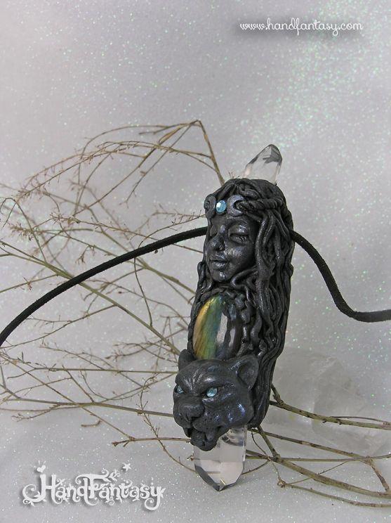 Varita talismán Diosa Pantera negra con Cuarzos y Labradorita