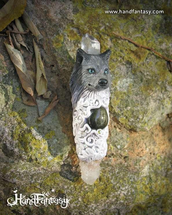 Varita mágica artesanal Lobo, Obsidiana dorada, cristal de Cuarzo, Cuarzo espíritu cactus