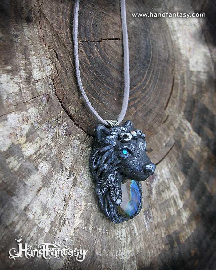 Lobo Nativo negro con plumas, colgante Lobo blanco con Labradorita, colgante lobo, collar lobo blanco