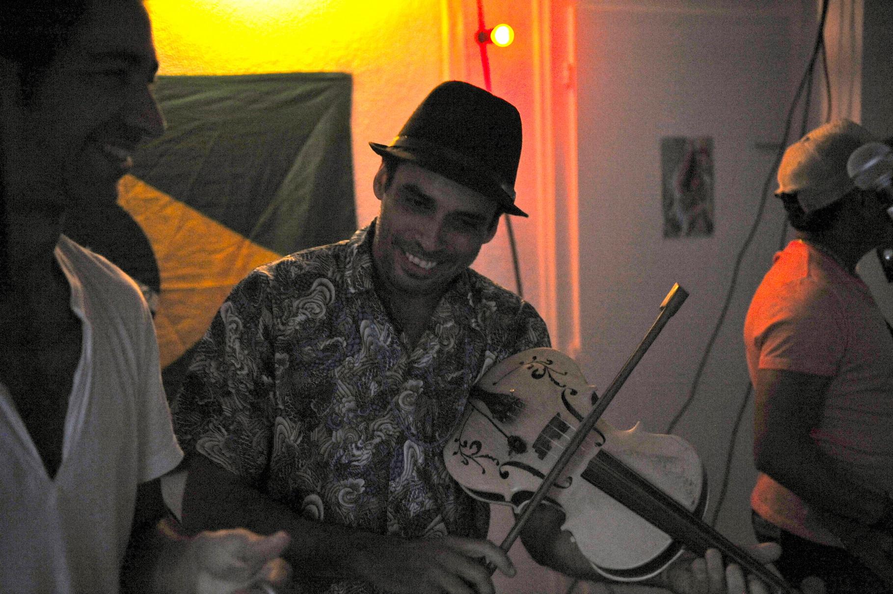 Carlinhos Ferraz aus Curitiba. Forró Musiker. Spielte im Kolpinghaus in Bern!