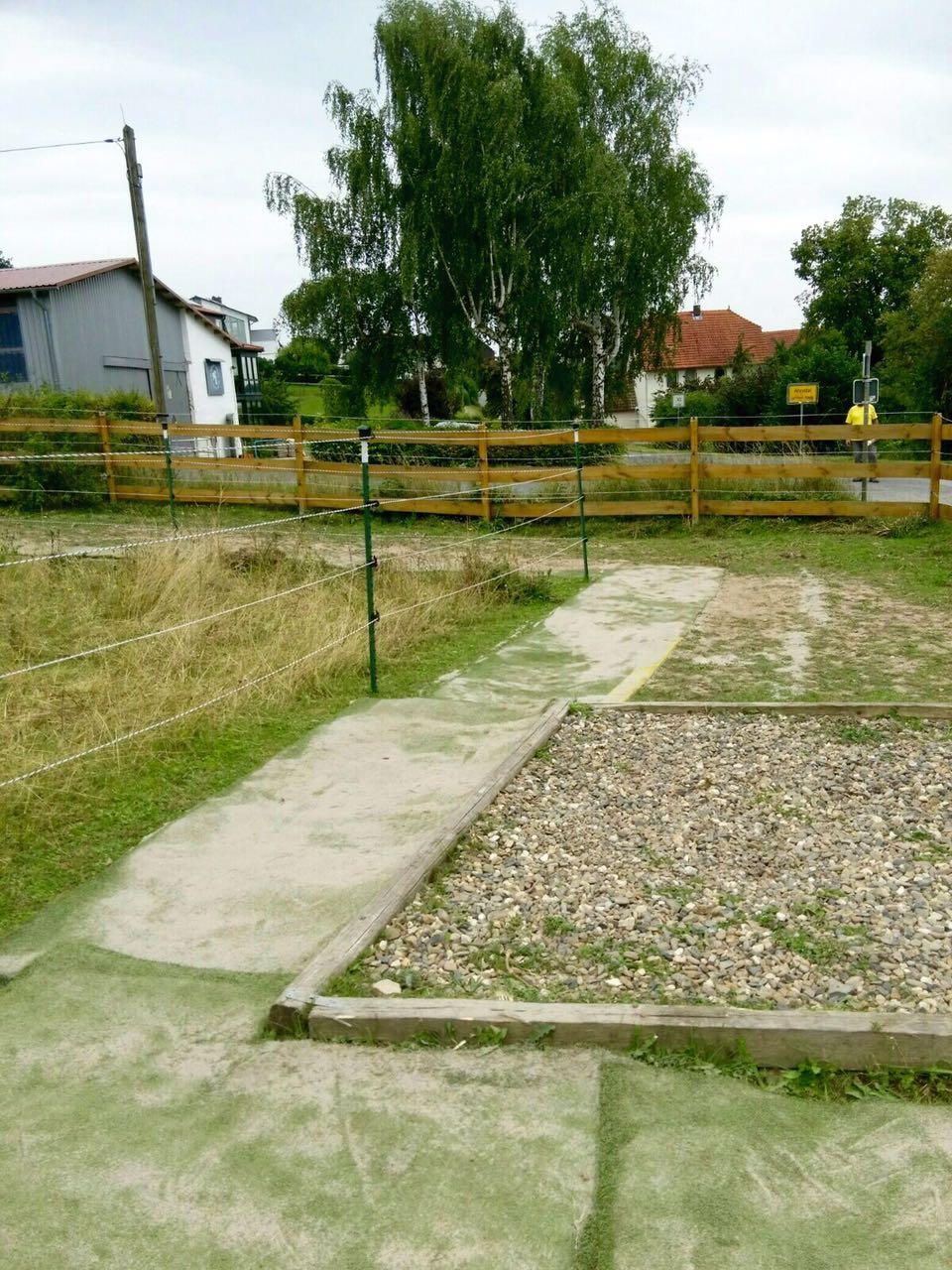 Zentrum für Pferdegesundheit - Paddocktrail: Kiesbett