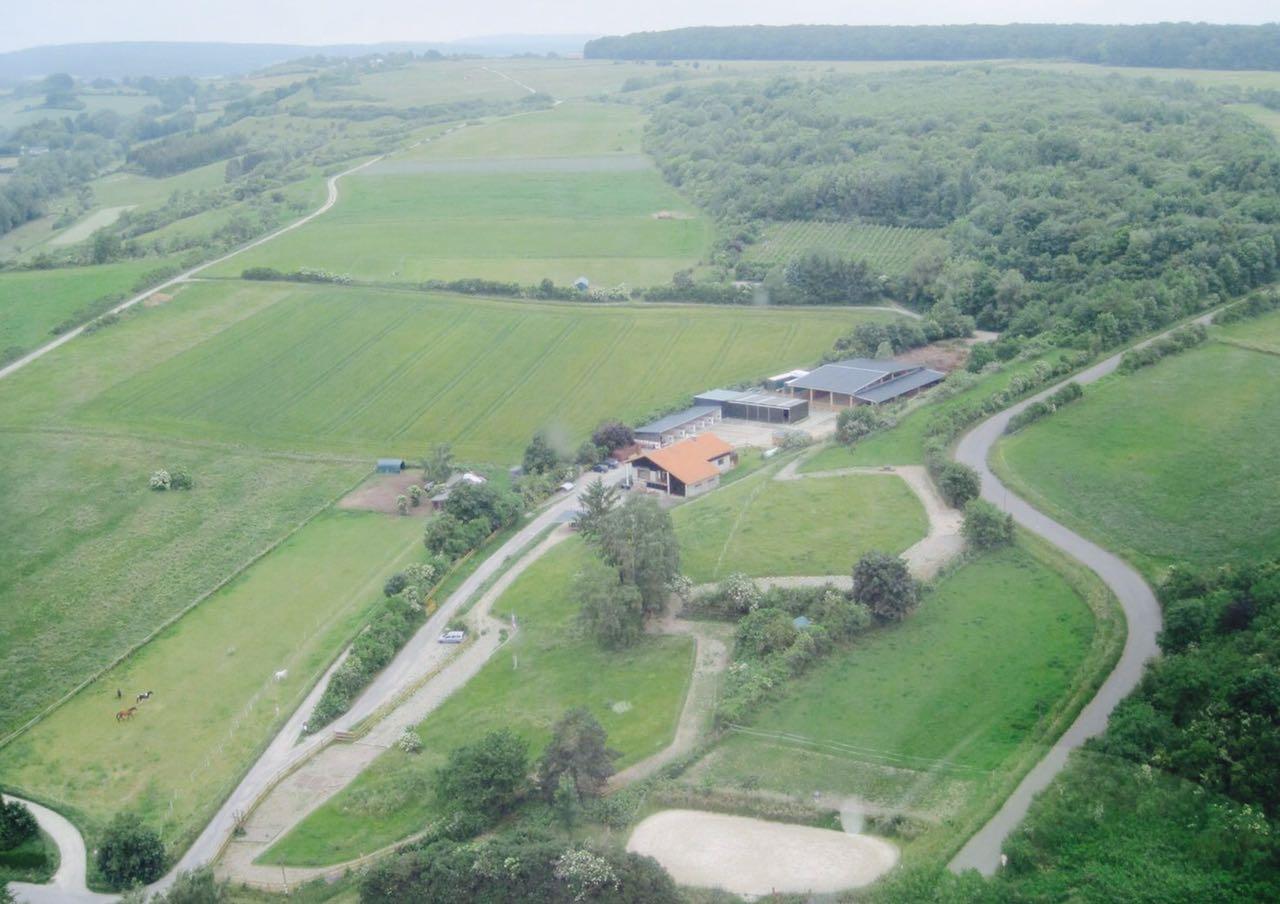 Zentrum für Pferdegesundheit - Paddocktrail: Luftansicht