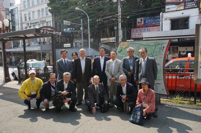 ▲JR大森駅西口から、スタートするメンバー