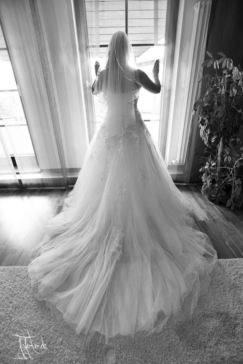 Du bist wie ich Ich bin wie du Nur fehlst du mir sehr das geb ich zu. Hochzeitsreportage mit Hochzeitsfotograf Nürnberg