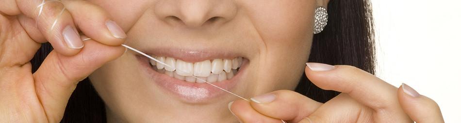 Professionelle Zahnreinigung lassen Erkrankungen im Keim ersticken.