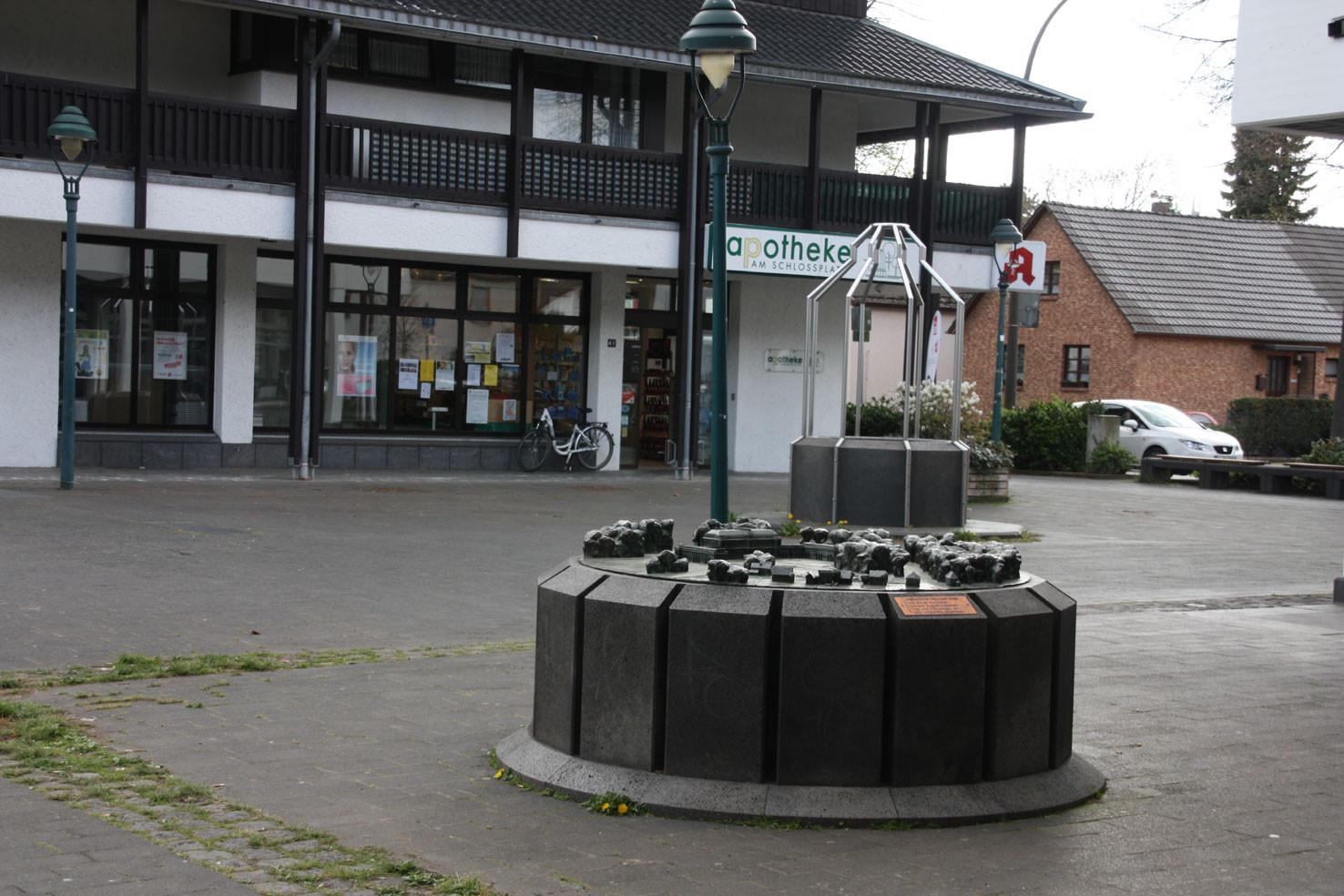 Mitten in Röttgen am Schlossplatz