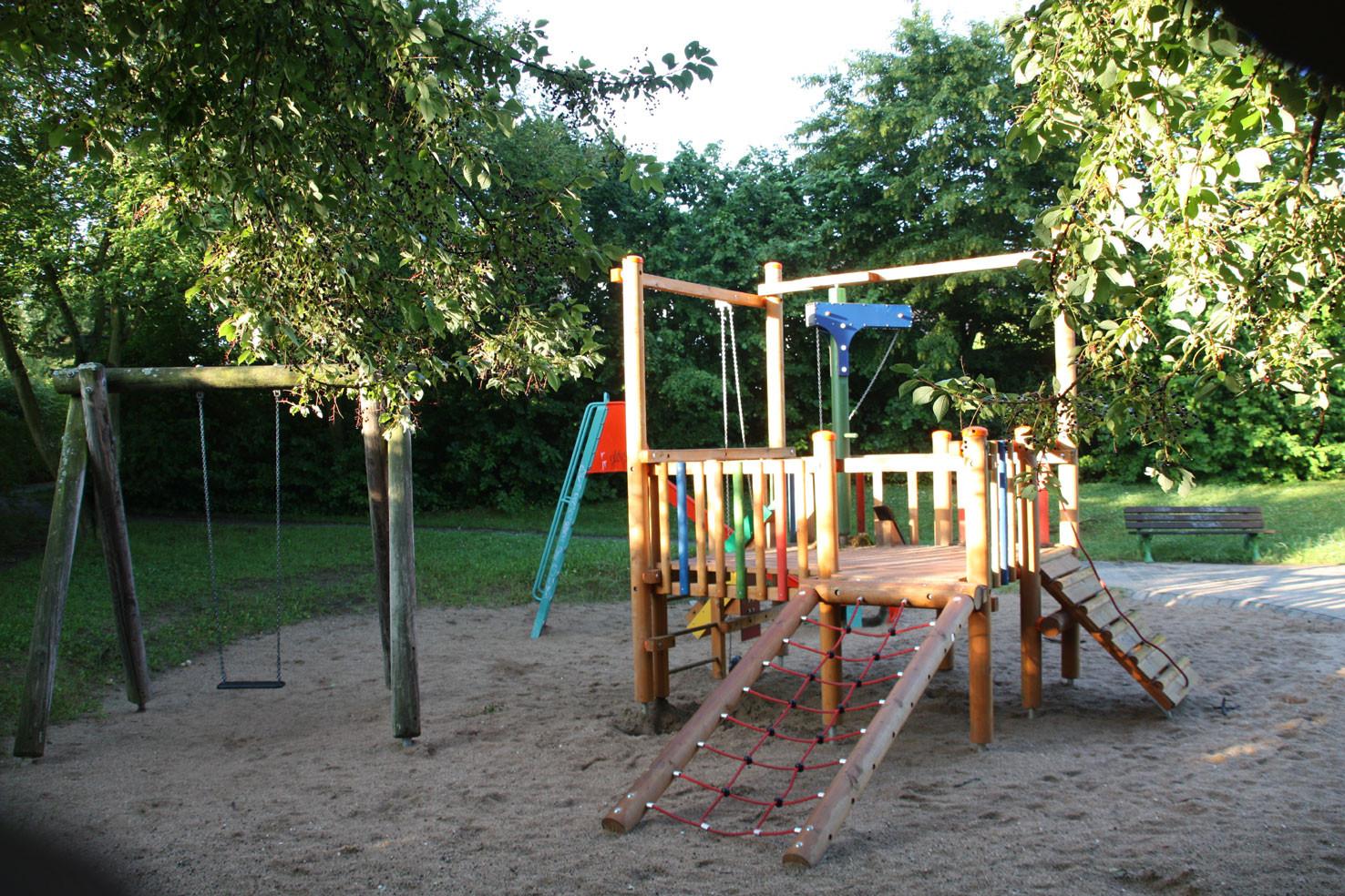 Spielplatz an der Max-Ernst-Str. Ückesdorf - einer von vielen