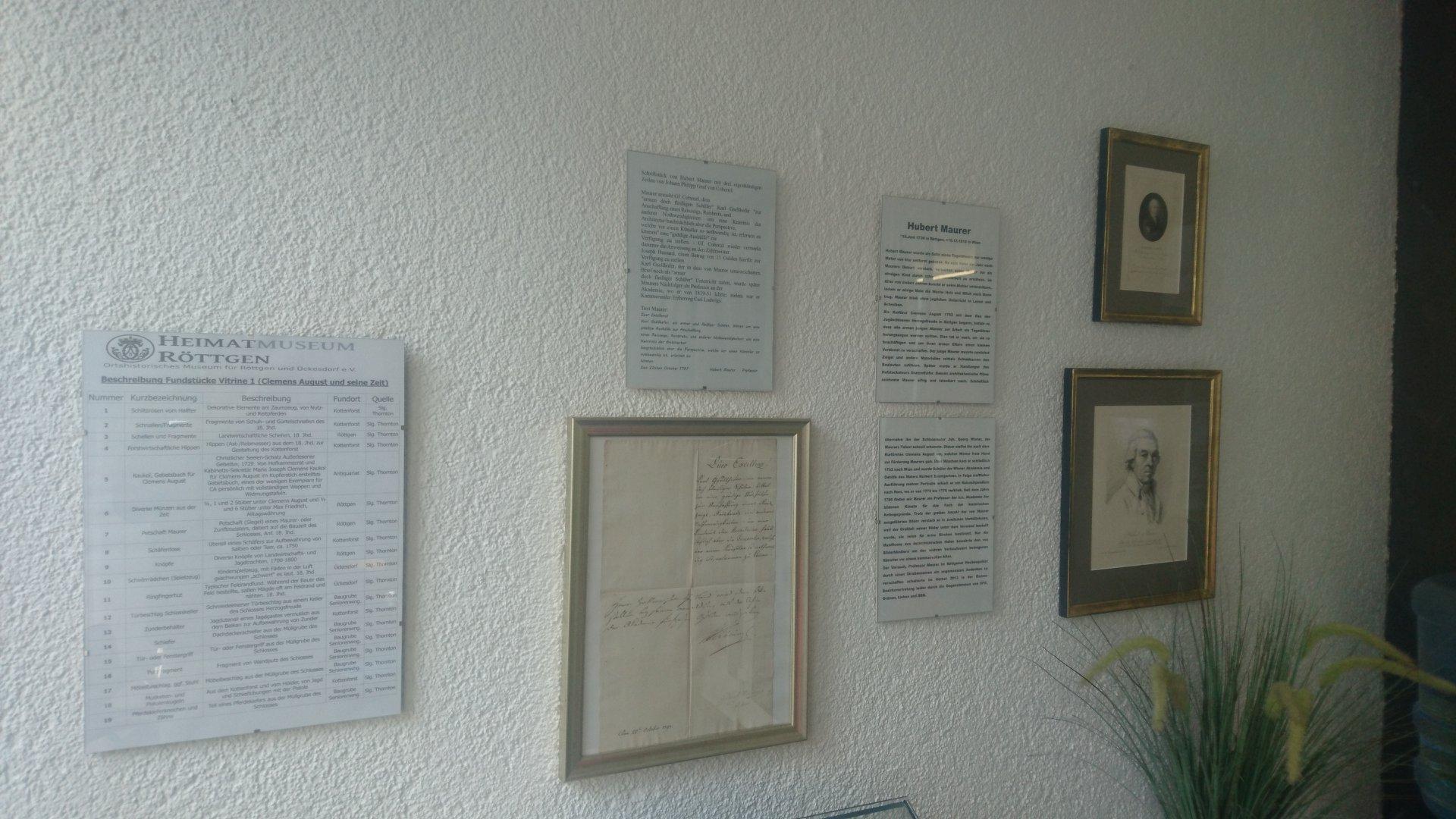 Erste Exponate können in den Vitrinen der Zahnarztpraxis Dr. Stefan Zimmermann, Reichsstraße 21a bewundert werden