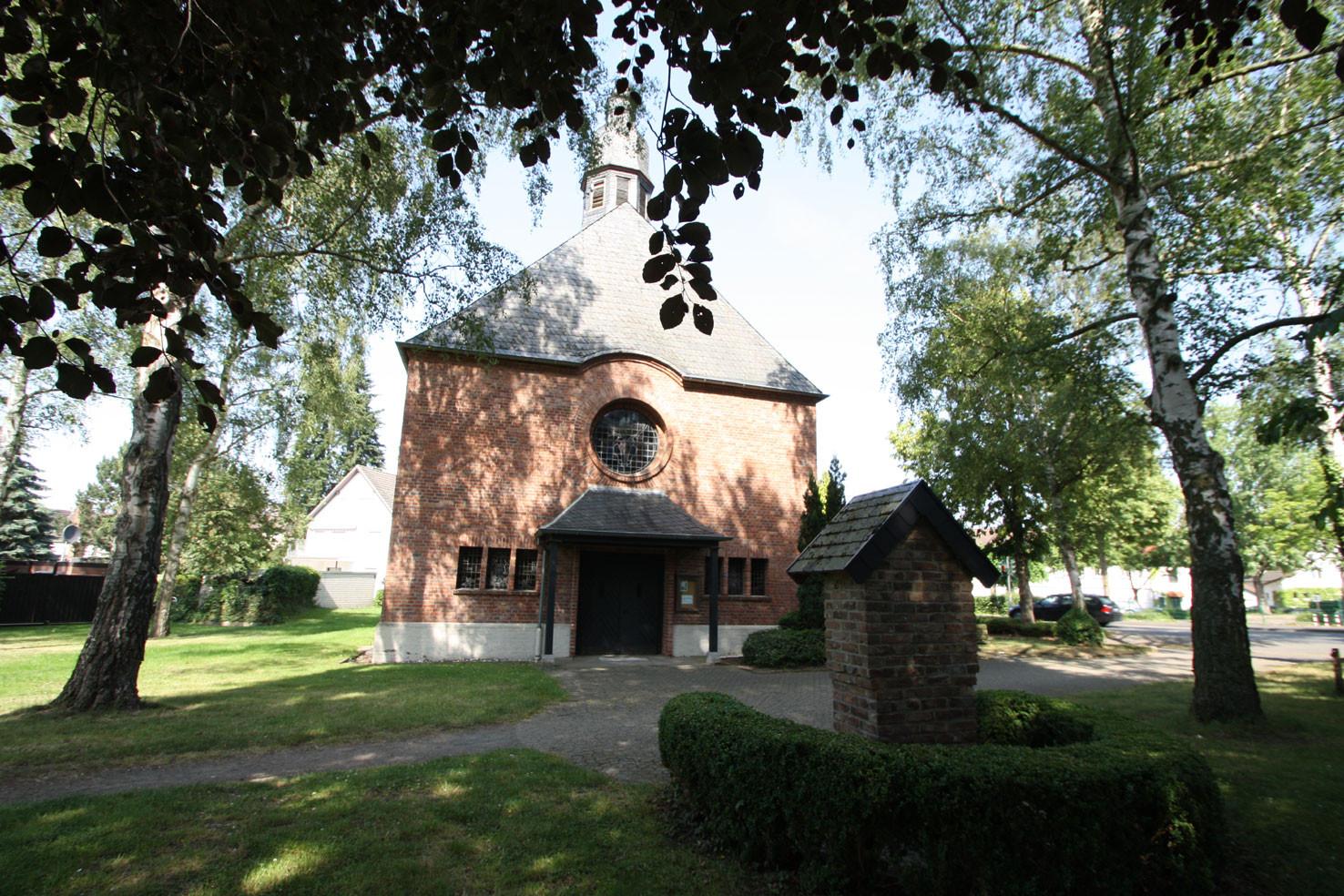 St. Venatius in Röttgen
