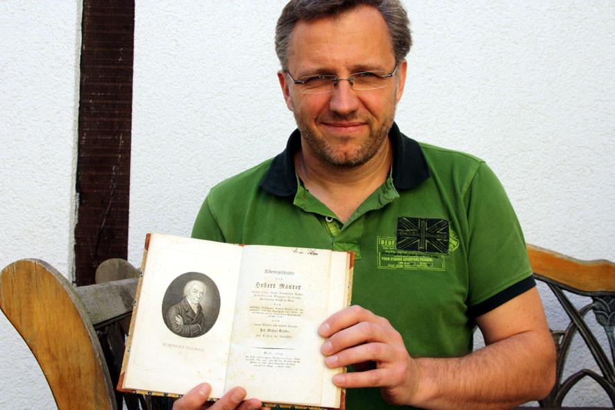 Stefan Zimmermann mit der Biografie Maurers, geschrieben von einem  Schüler Maurers, Johann Michael Sattler, der zugleich eng mit ihm bekannt war (1819)