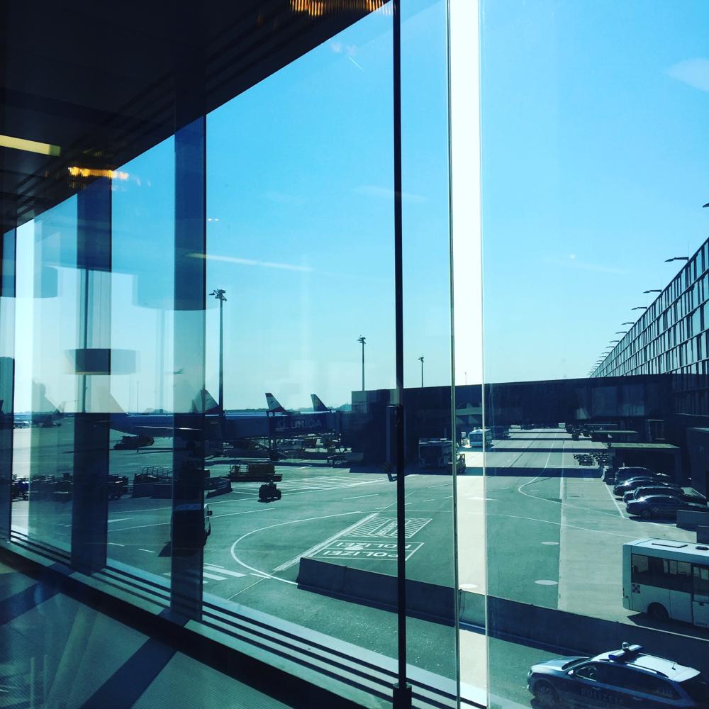 Erstmal Frühstück am Wiener Flughafen ☕️✈️