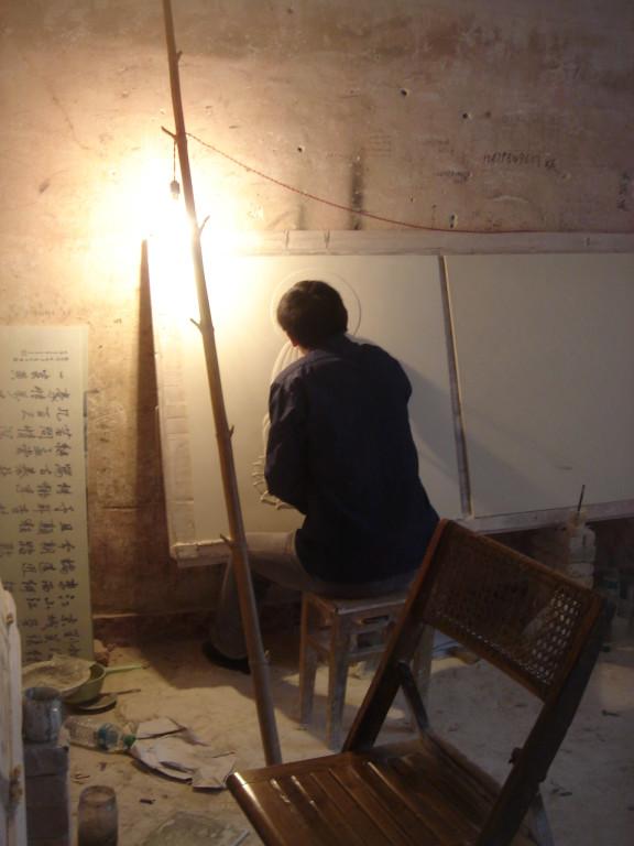 Gravure sur porcelaine à Jingdhezen (Chine)