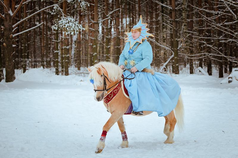 Ольга Муллахметова в роли Рождественской звезды на жеребце Фриард Спирит