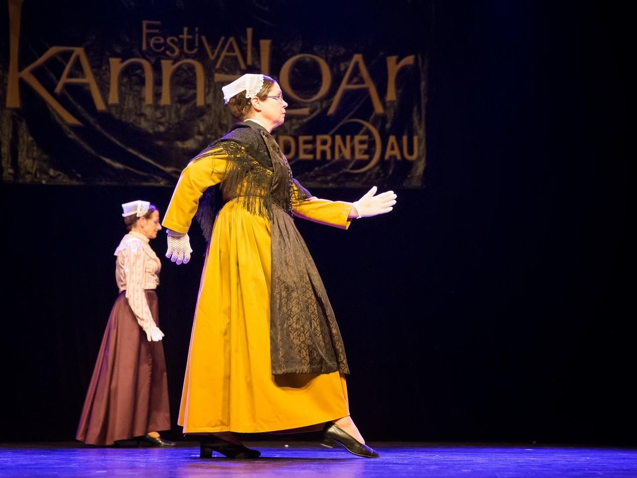 """Association revival """"Tei et Mei""""- festival Kann al Loar 2013 - Photo : Jean Le Goff"""