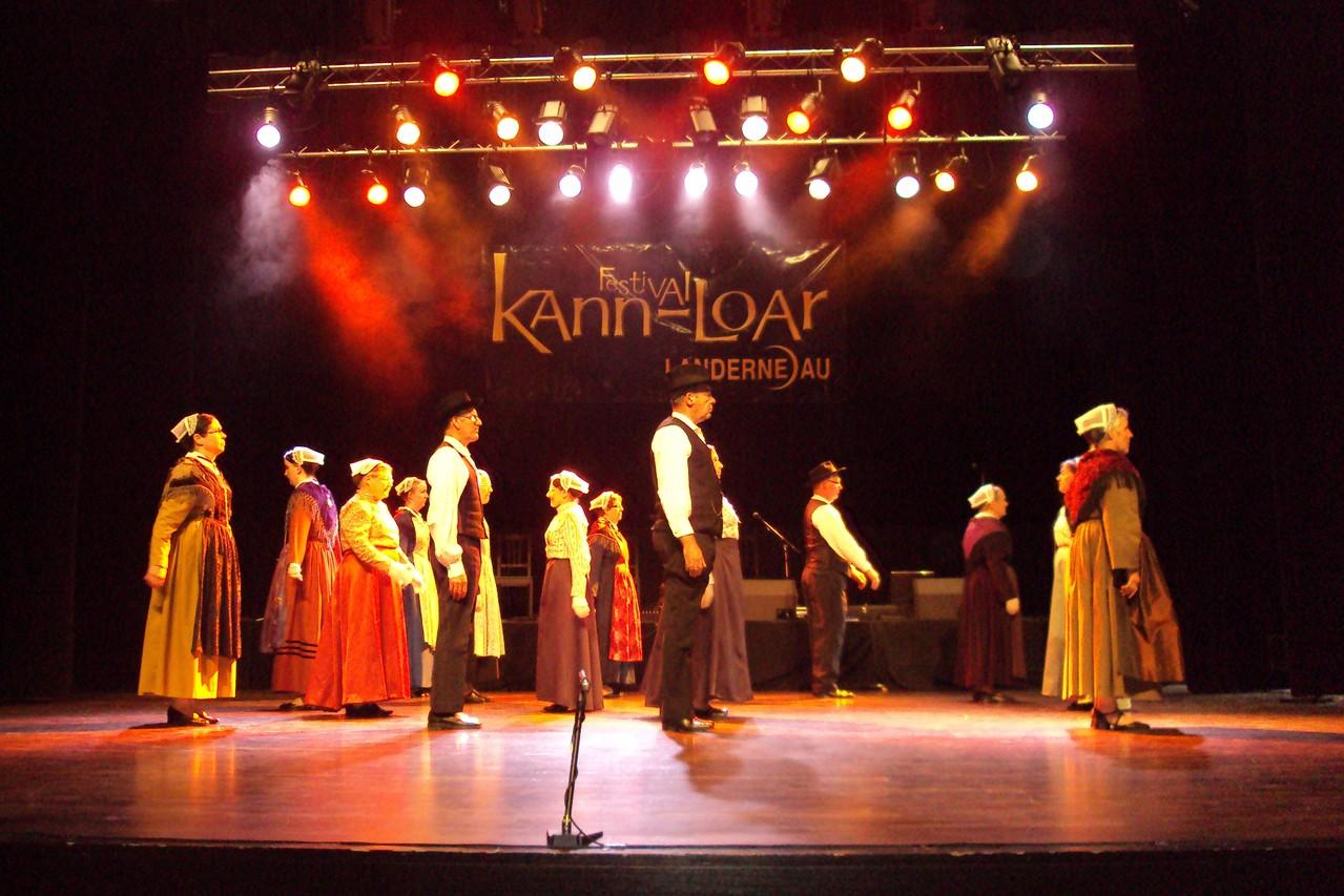 L'association Revival au Festival Kann Ar Loar en 2011 - trophée Faltaziañ