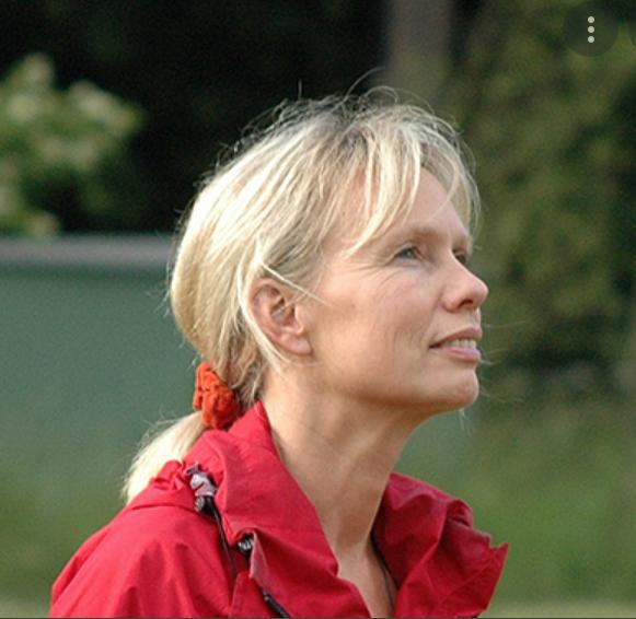 Birgit Hegemann Heilpraktikerin, Yoga-, Chigong-, Dharmalehrerin, Mitbegründerin von Neue Wege Reisen
