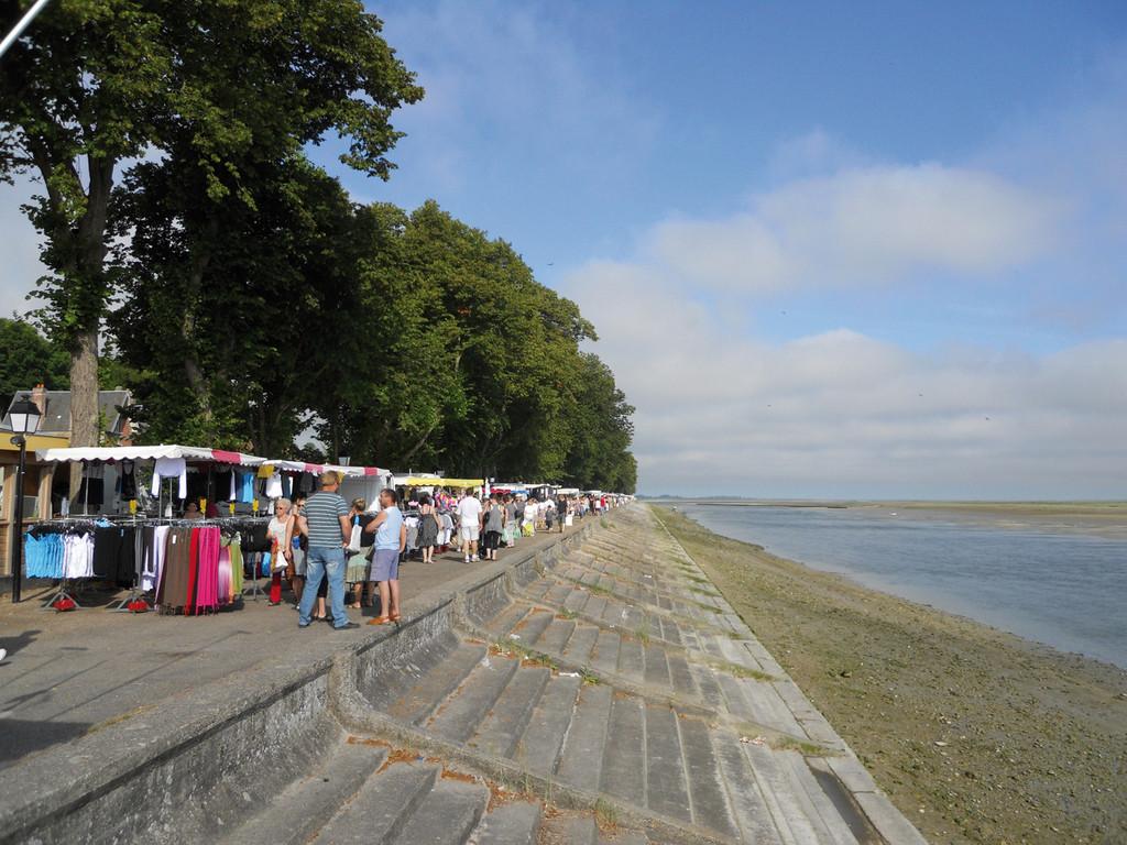 Le marché de St-Valery au bord de la baie de Somme