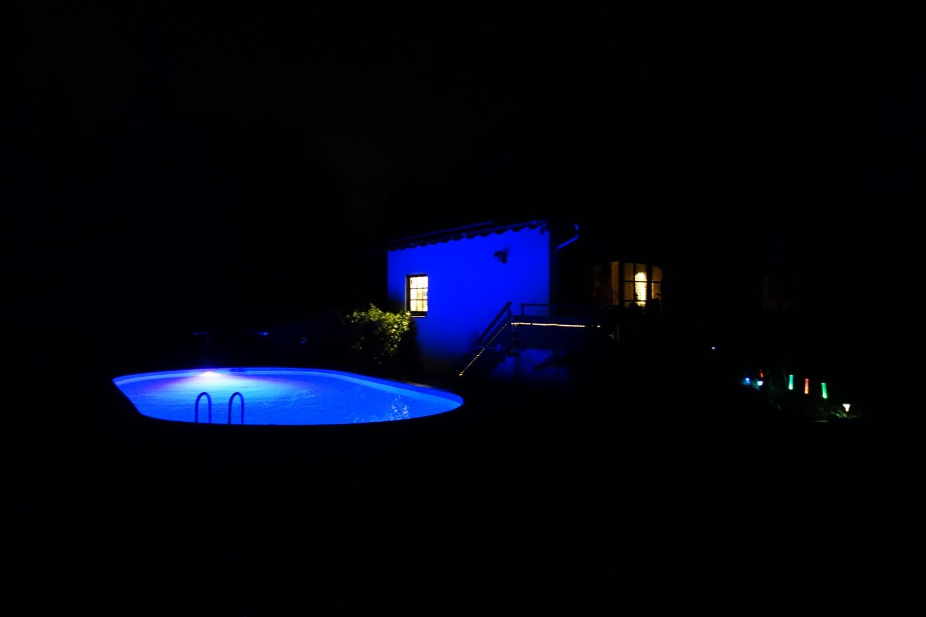 Pool nachts
