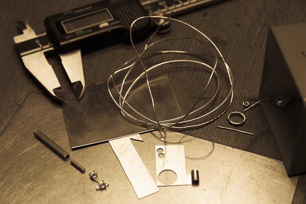 Material wie Gold, Silber oder Platin wird vor Arbeitsbeginn gerichtet.