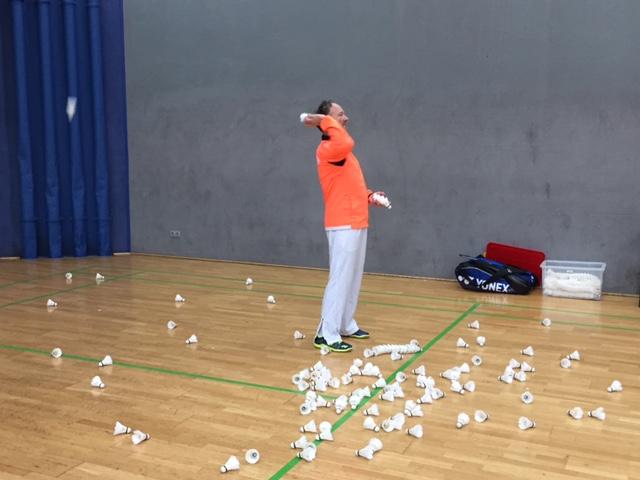 Udo, unser Badminton-Trainer bei der Arbeit.