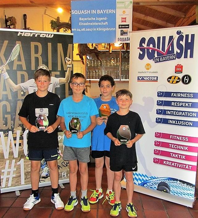 2. von rechts: Yousseff, Sieger im Feld U13