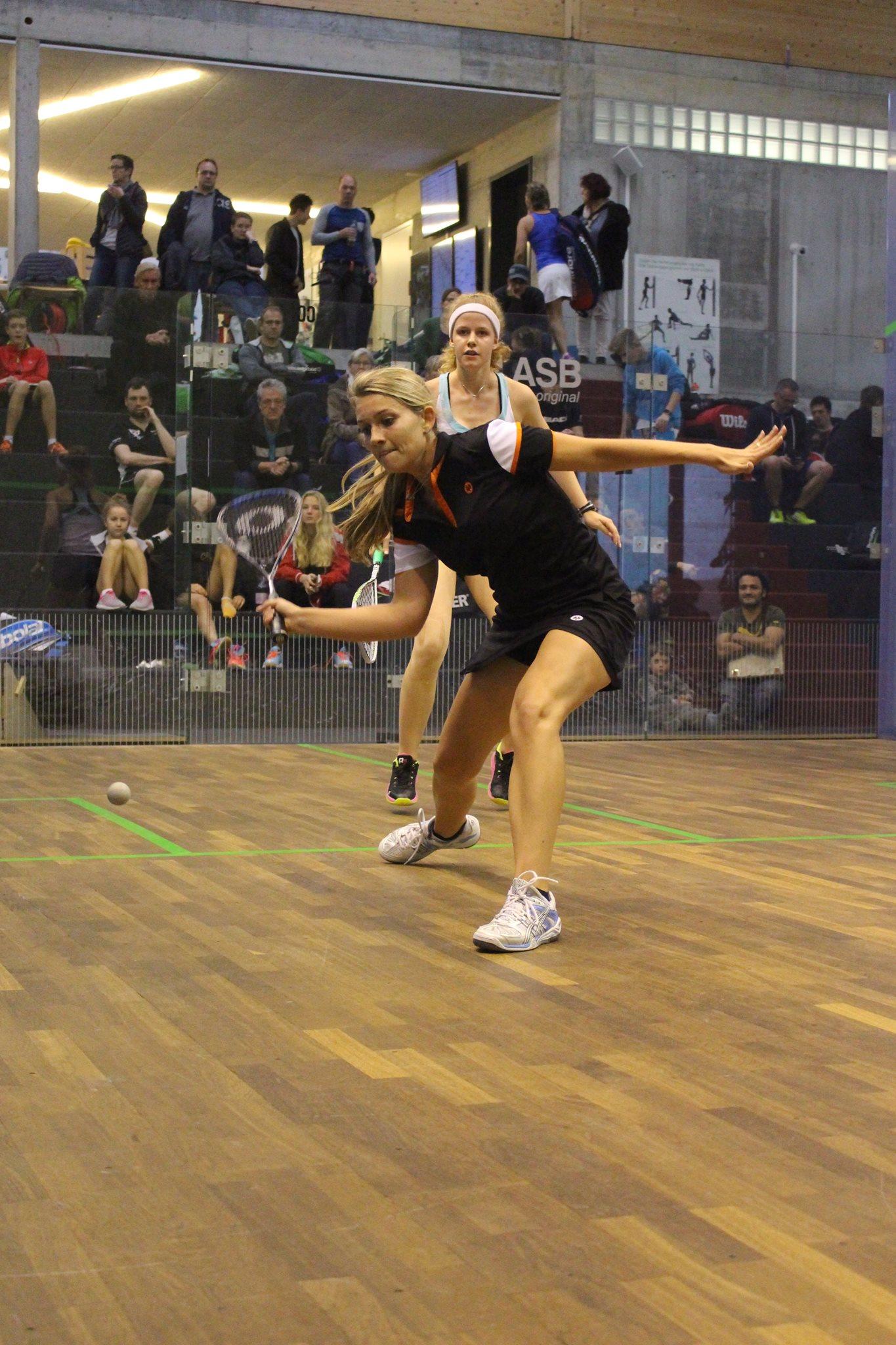 Racketlon-Ass Astrid Reimer-Kern beim Squash (Foto nicht in der Squash-Insel Taufkirchen)