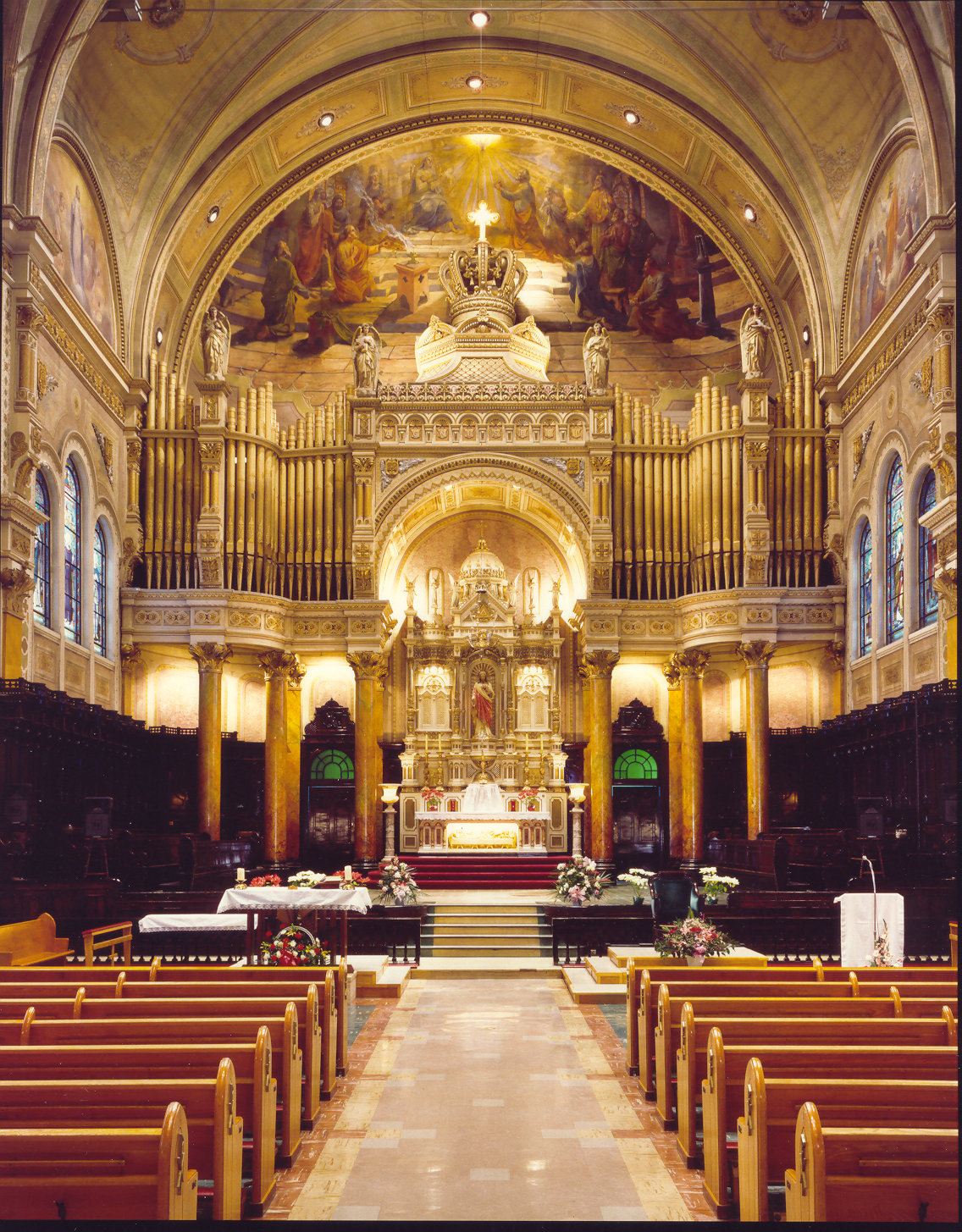 Church of Très-Saint-Nom-de-Jésus, Montréal, QC - sanctuary organ