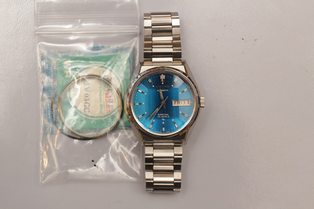 ご要望が多いセイコーの古い腕時計修理もやってます