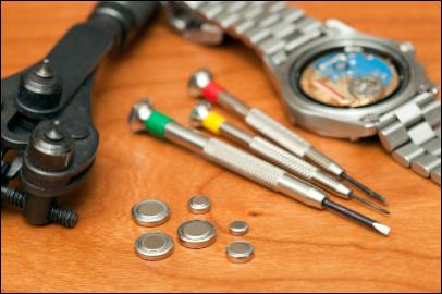 電池交換やベルトの修理・調整、分解掃除(オーバーホール)できます