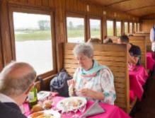 Somme Groupes - Voyages en groupes - Agence de voyages - Réceptif - Somme - Groupes - Séjour - Hauts de France - Amiens - Train à vapeur Baie de Somme - Bains de mer - Déjeuner - Restaurant dans un train - Belle époque