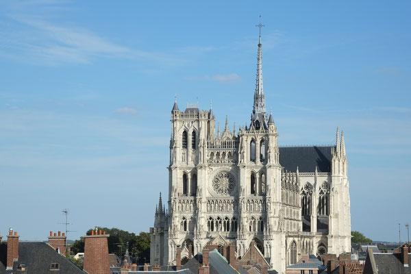 Somme tourisme - Somme groupes - Séjour - Voyage - Groupe - Amiens - Somme - Hortillonnages - Saint-leu - Visite guidée - Cathédrale Notre Dame d'Amiens - Patrimoine mondial de l'UNESCO - Restaurant amiénois