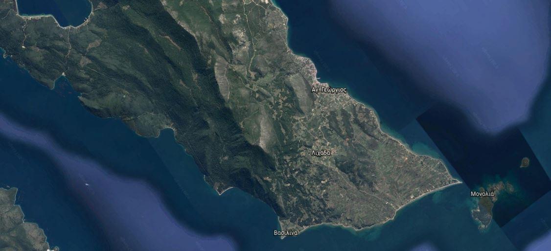 Draufblick auf 34300 Lichada auf der Insel Euböa (oder auch Evia genannt)