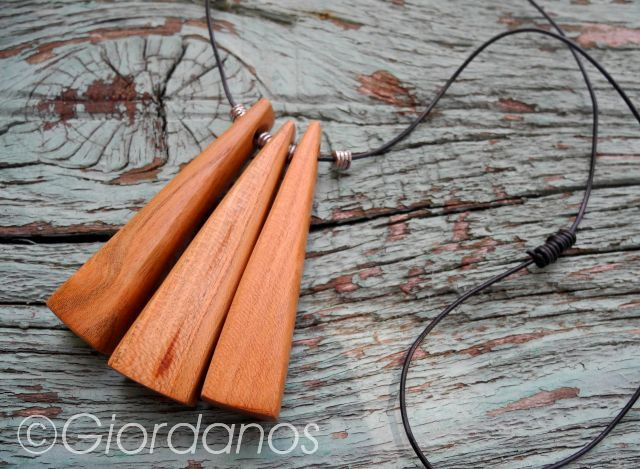 Holzschmuck für Frauen_Olivenholz und mehr_Giordanos