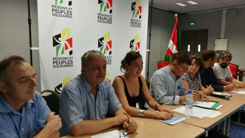 les dirigeants de Régions et Peuples Solidaires à Bayonne © Radio France - Jacques Pons