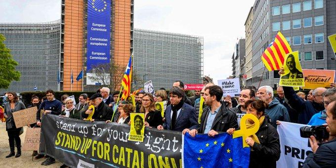 «L'Union européenne voudra-t-elle se regarder dans le miroir de l'Etat de droit que lui tend la Catalogne?»