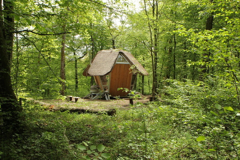 habitat nomade / Matali Crasset, Fresnes-au-Mont, 2010