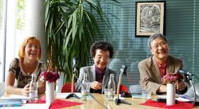 Kim Kwang-Kyu liest im Cafe Hilgenfeld