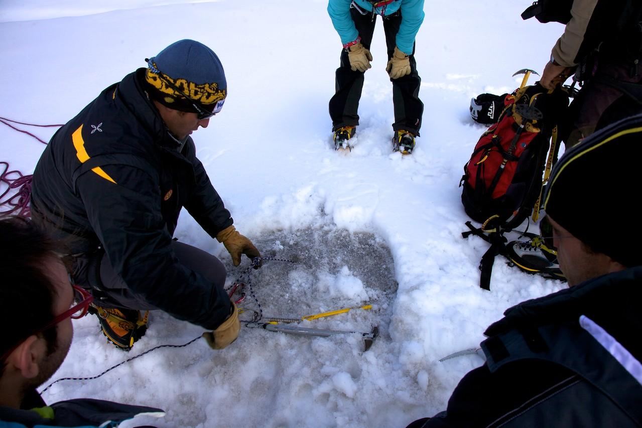 autosoccorso su ghiacciaio, paranchi ecc..