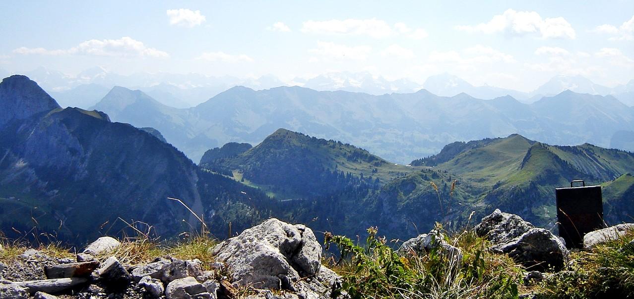 Bärner Oberland hienache...