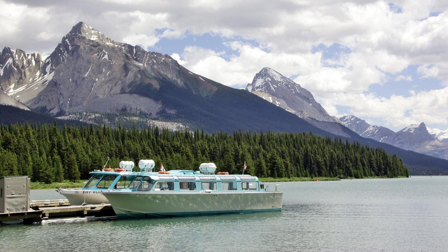 Die Bootsanlegestelle vom Maligne Lake